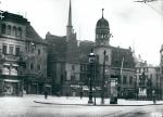 Halle (Saale) – Marktplatz mit Wagegebäude und altem Rathaus